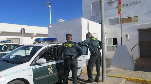 La Guardia Civil desinfecta las dependencias del puesto de Níjar