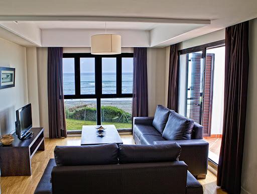 1/2 Dorm. Penthouse