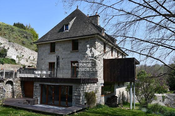 Vente maison 11 pièces 235 m2