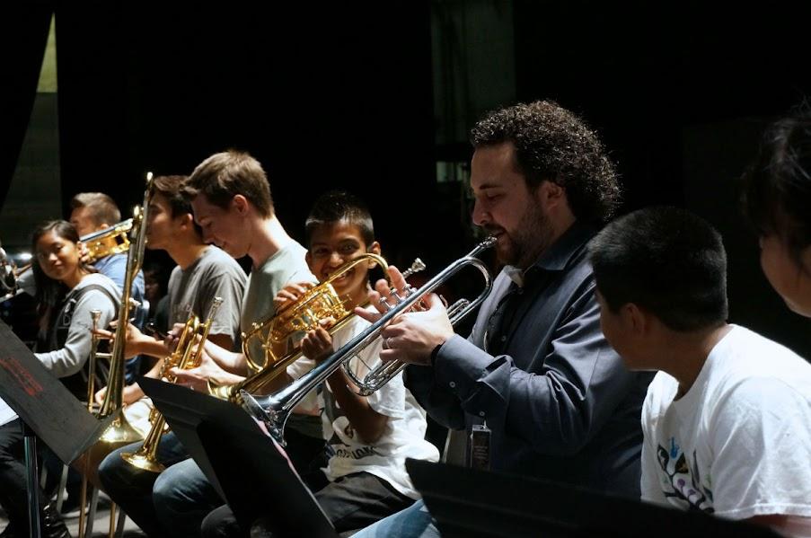 Con el fin de que la música sinfónica siga estimulando el espíritu humanístico de las generaciones futuras, en las giras de las orquestas de El Sistema se procura hacer conciertos especialmente dedicados a los niños.