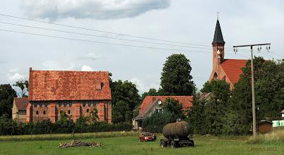 Photo: ehemalige Antoniter Hospital Anlage und St. Jacobskirche aus dem 13. Jahrhundert beherbergt heute Pilgerreisende
