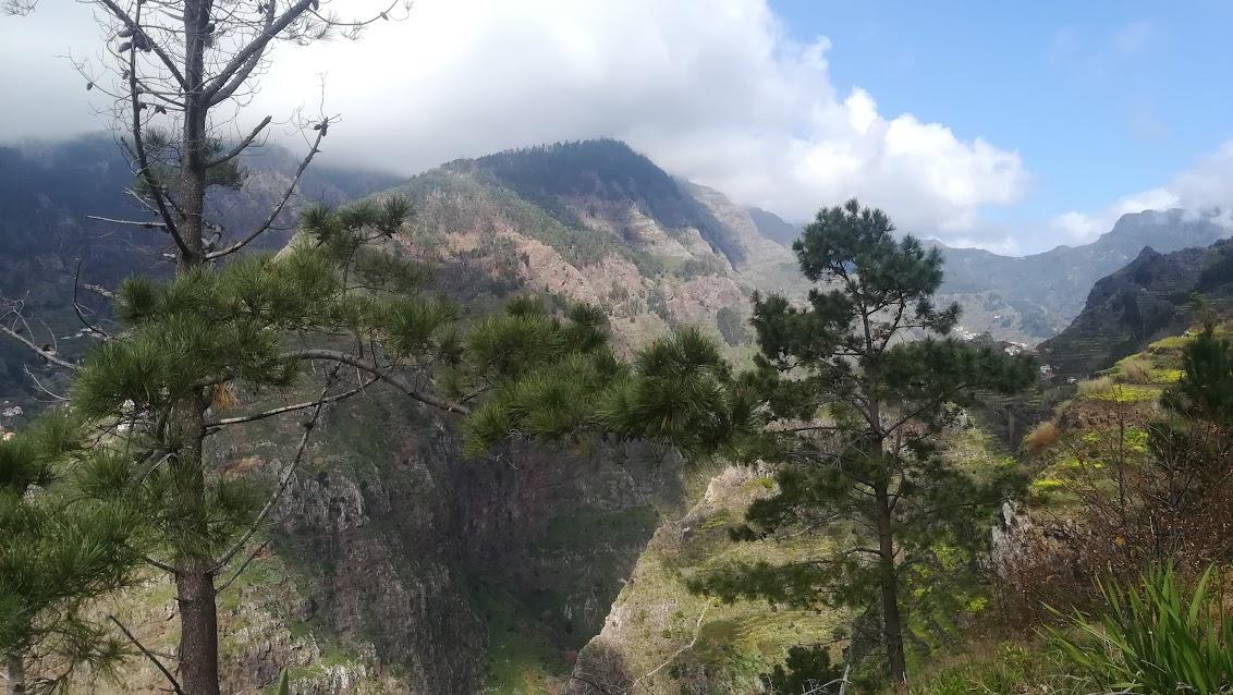Stunning vistas along the Levada do Norte