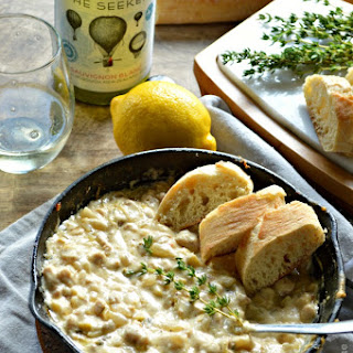 White Wine Cheesy Chicken Dip