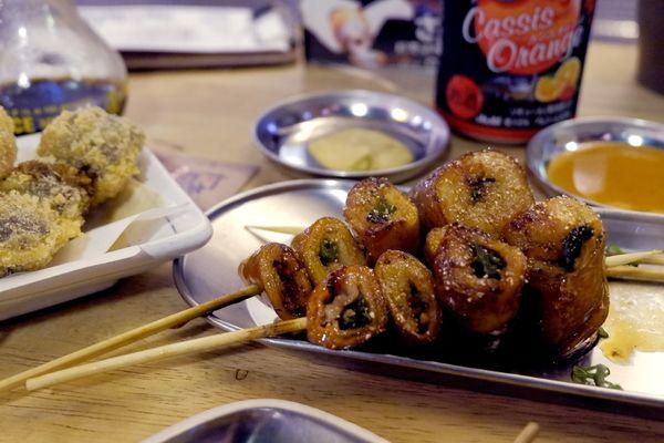 姐妹小旅行|台南 中西區 - おやじ歐野基串焼き屋台 現點現烤深夜裡的啤酒情
