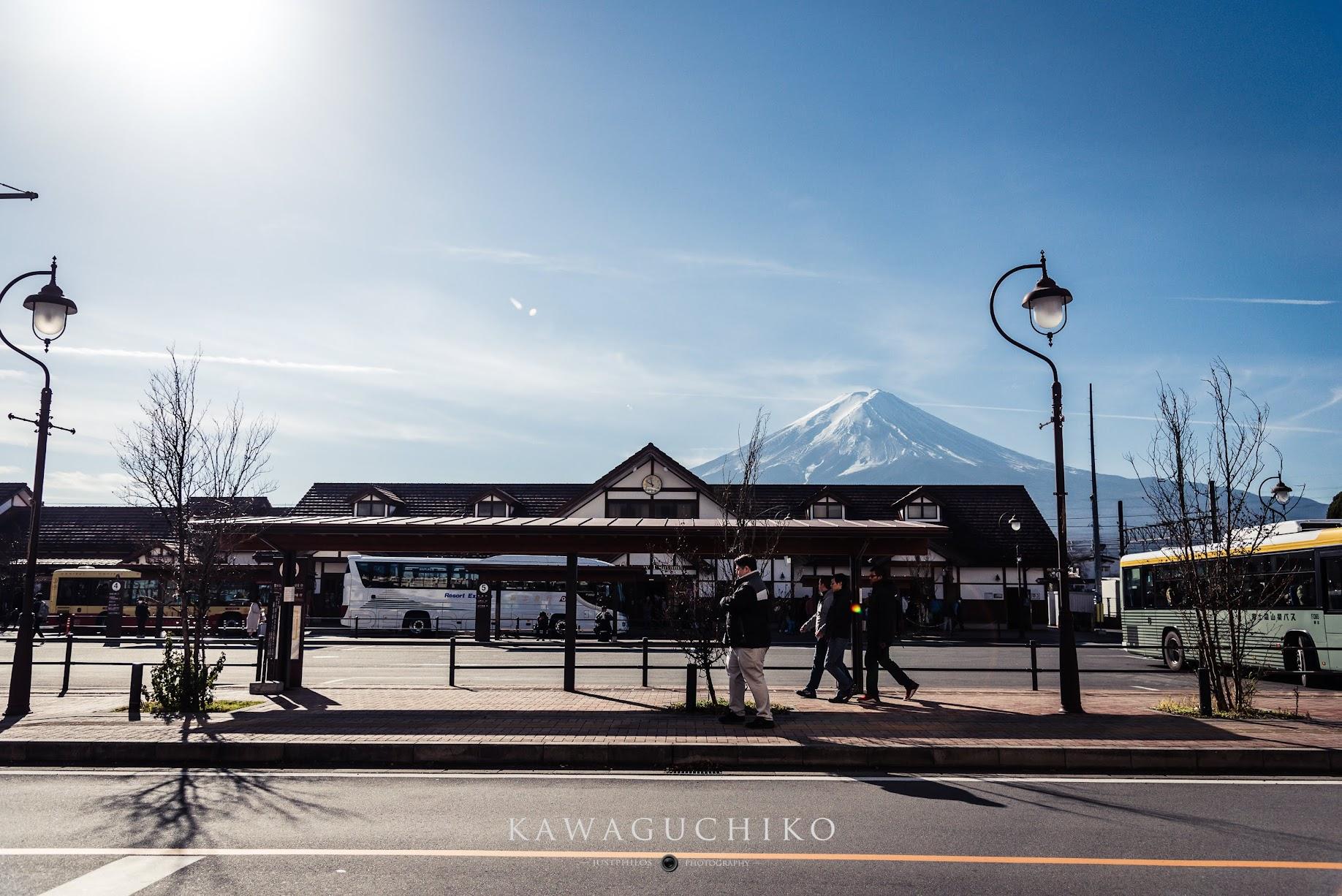 河口湖車站是官方推薦欣賞富士山的絕佳景點之一。