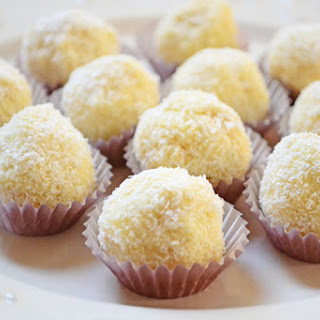 Raffaello Cookies – two recipes that are worth a try.