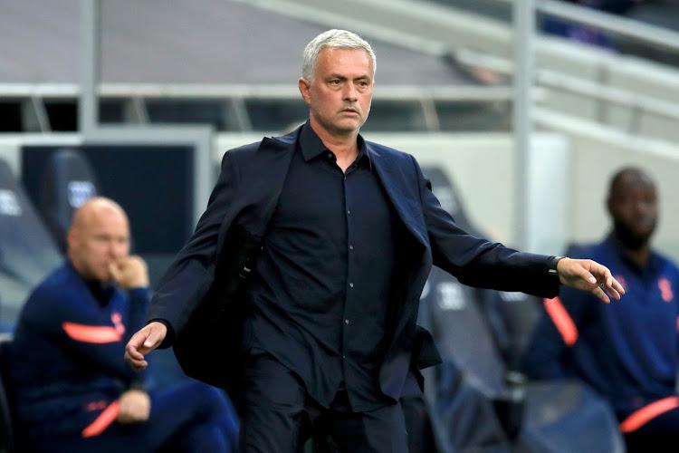 Alle gekheid op een stokje in Macedonië: Mourinho merkt iets vreemds op aan de doelen voor Europa League-duel