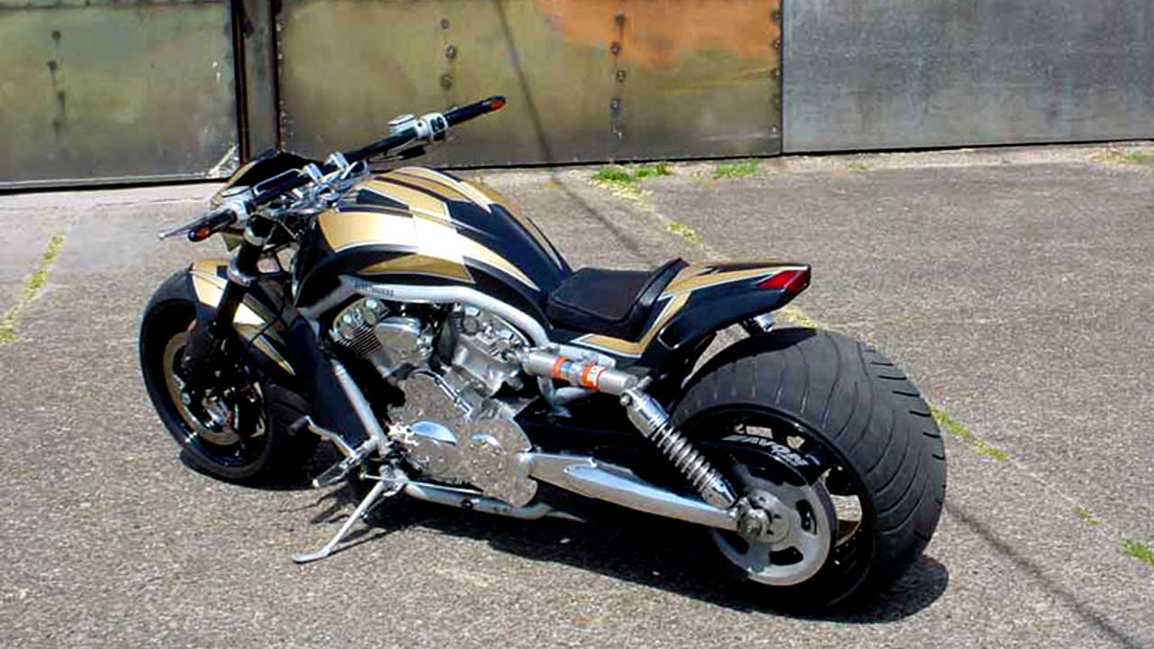 "Harley-Davidson V-Rod ""StreetFighter"" by Tecno-Bike"