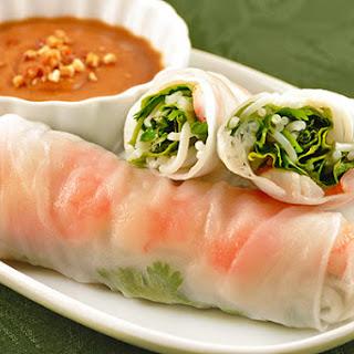 Vietnamese Summer Rolls with Shrimp.