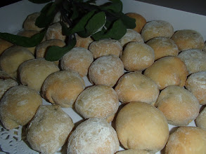 Photo: Petits pain à l'anis, farci à la pintade aux mendiants