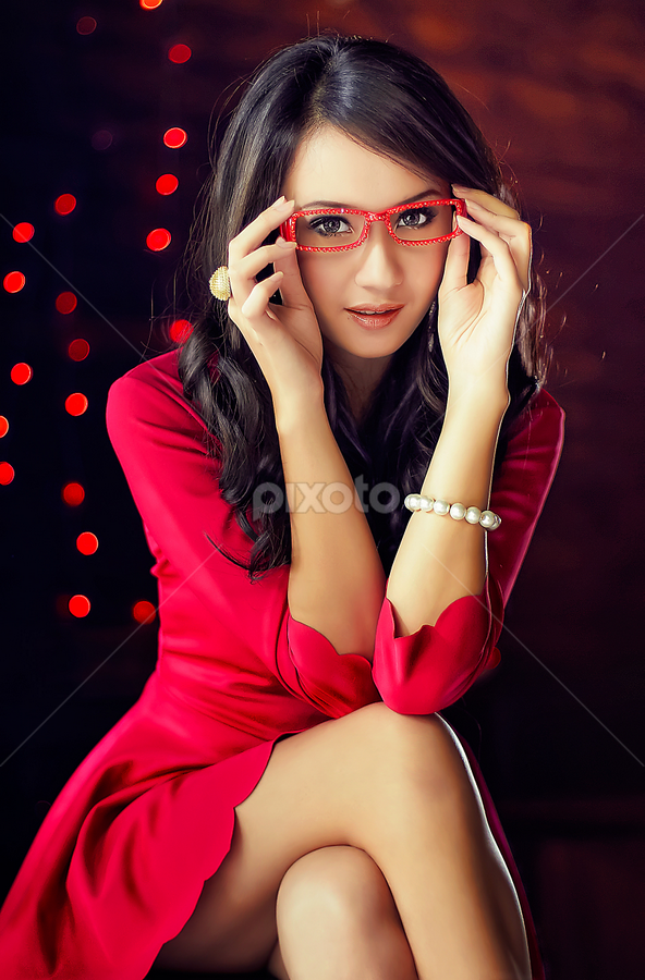 Love In Your Eyes by David Hendrawan - People Portraits of Women ( model, girl, red, woman, winny valensia franoka, winny, jakarta, beauty, close up, portrait, asian )