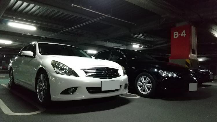 スカイライン KV36のコラボ,立体駐車場,美人オーナー,マークXに関するカスタム&メンテナンスの投稿画像2枚目