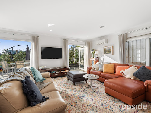 Photo of property at 1/50 Dava Drive, Mornington 3931