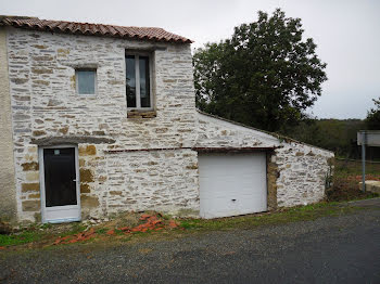 maison à Château-Guibert (85)
