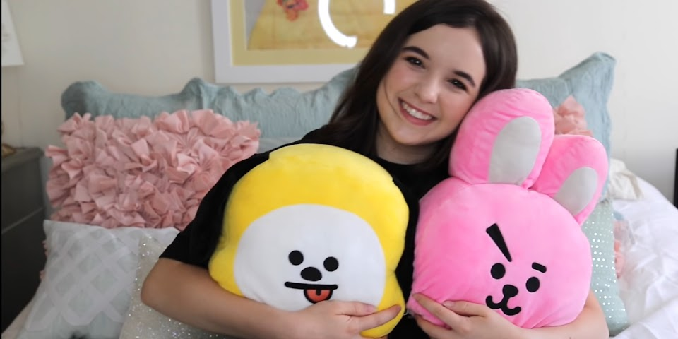 bt21celebrities_aubreymiller
