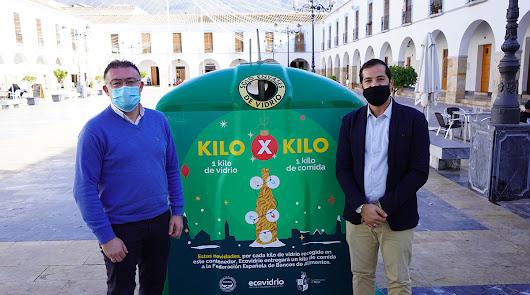 Berja cambia el vidrio reciclado por kilos de alimentos para los más necesitados