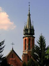 Photo: Dołhobyczów. Neogotycki kościół fundacji Świeżawskich z wieżą, jak z Disneylandu. Było to wotum wdzięczności za udzielenie przez Stolicę Apostolską dyspensy od małżeńskiej przeszkody pokrewieństwa.