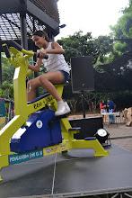 Photo: La niña de Medellín pedalea
