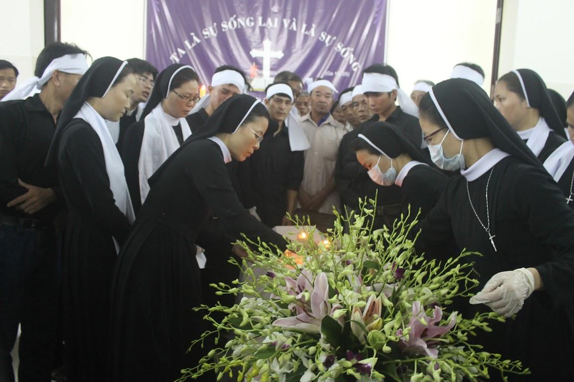 Thánh Lễ An Táng Nữ Tu Anna Trần Thị Phượng - Dòng Mến Thánh Giá Vinh - Ảnh minh hoạ 3