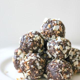 Powerballs - Date, Chocolate, Macadamia Nut, Powerballs