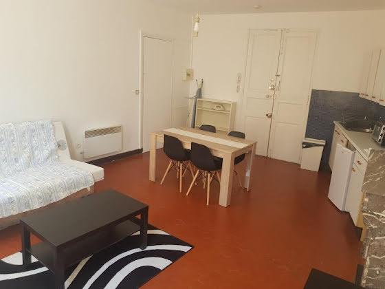 Location studio meublé 27,95 m2
