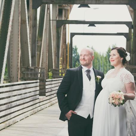 Fotógrafo de bodas Laura Tammisto (studiotorkkeli). Foto del 20.07.2015