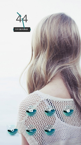 android Blond Girl Screenshot 1