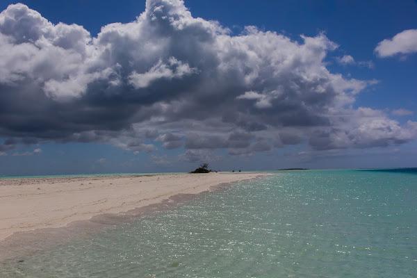 Nuvole in paradiso di GIORGIO VOLPONI