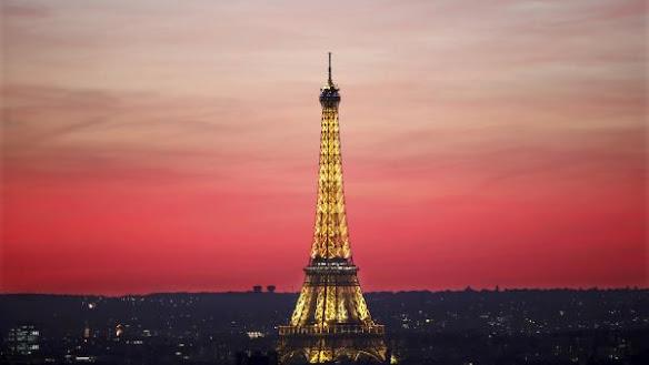"""Tháp Eiffel - """"bà đầm sắt"""" 130 tuổi và những điều ít được nói tới"""