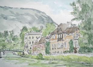 Photo: バート・イシュル1 オーバートラウンから電車で30分の所にバート・イシュルという皇帝にも愛されたというオーストリア最古の温泉地がある。町並みは整然としてきれいな店が並び落ち着いた町である。トラウン川沿いの散歩道を歩くとしゃれたレストランがあるので、そこでランチを取りながらスケッチ。