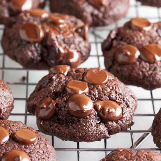 Double Chocolate Cherry Cookies Rezept | Yummly