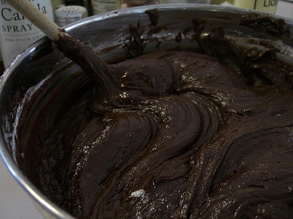 prepare brownie mix according to package directions, using the 13x9x2-inch pan option. cool compleatly...
