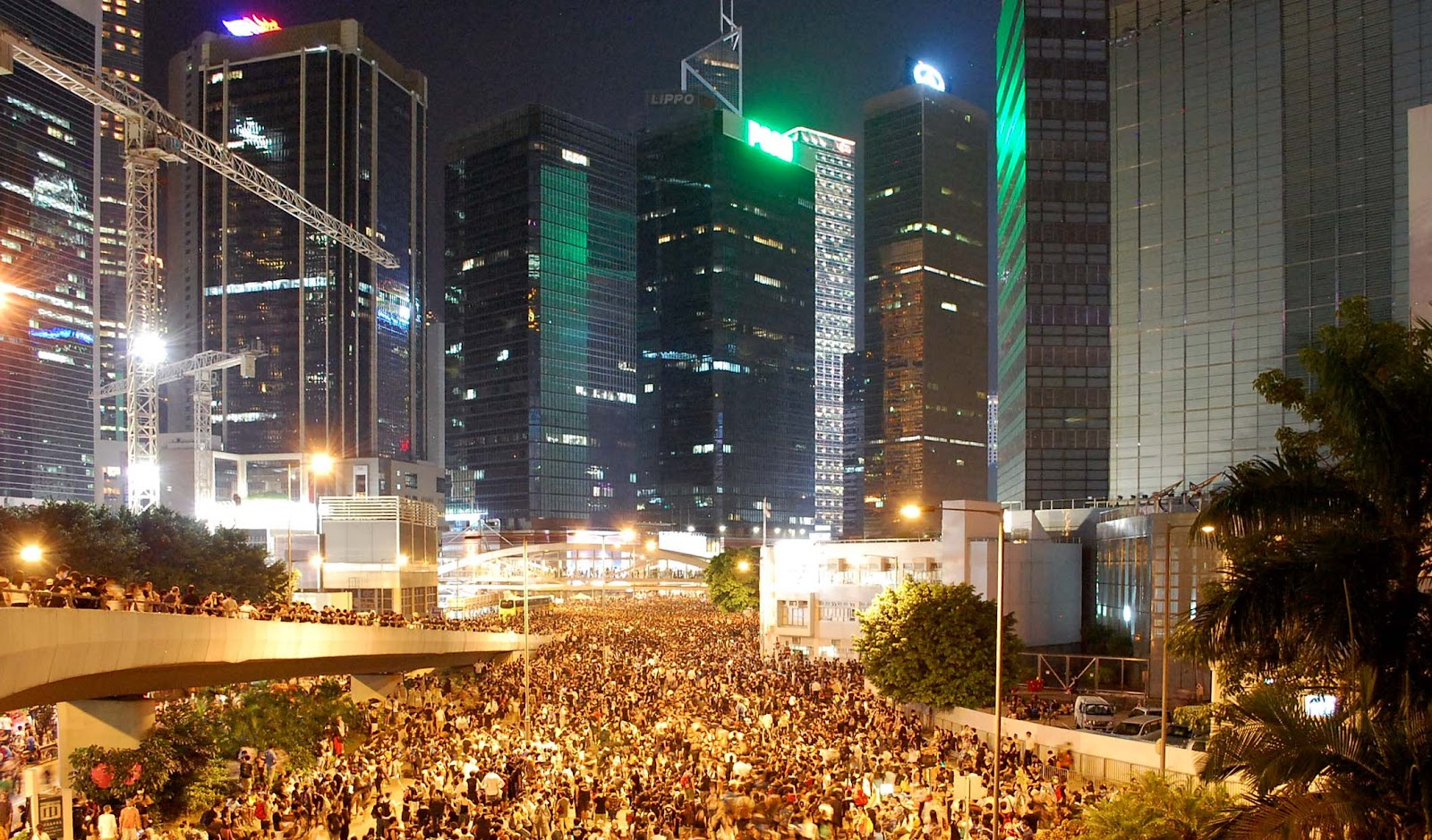 29.9.14_Hong_Kong_protest_near_Tamar.jpg