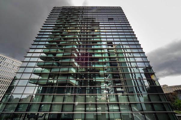Grattacielo riflesso. di Paguzzi