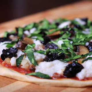 Fresh Vegan Mozzarella Pizza Recipe