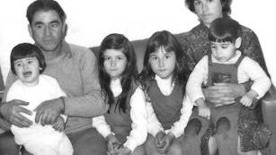 Paco el fotógrafo  con su familia.