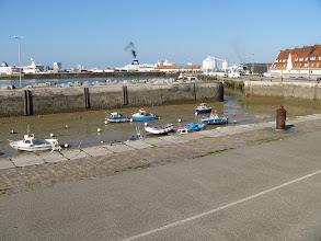 Photo: Port w Calais w czasie odpływu.