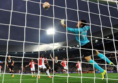 Feyenoord voorbij Standard in bizarre tweede helft