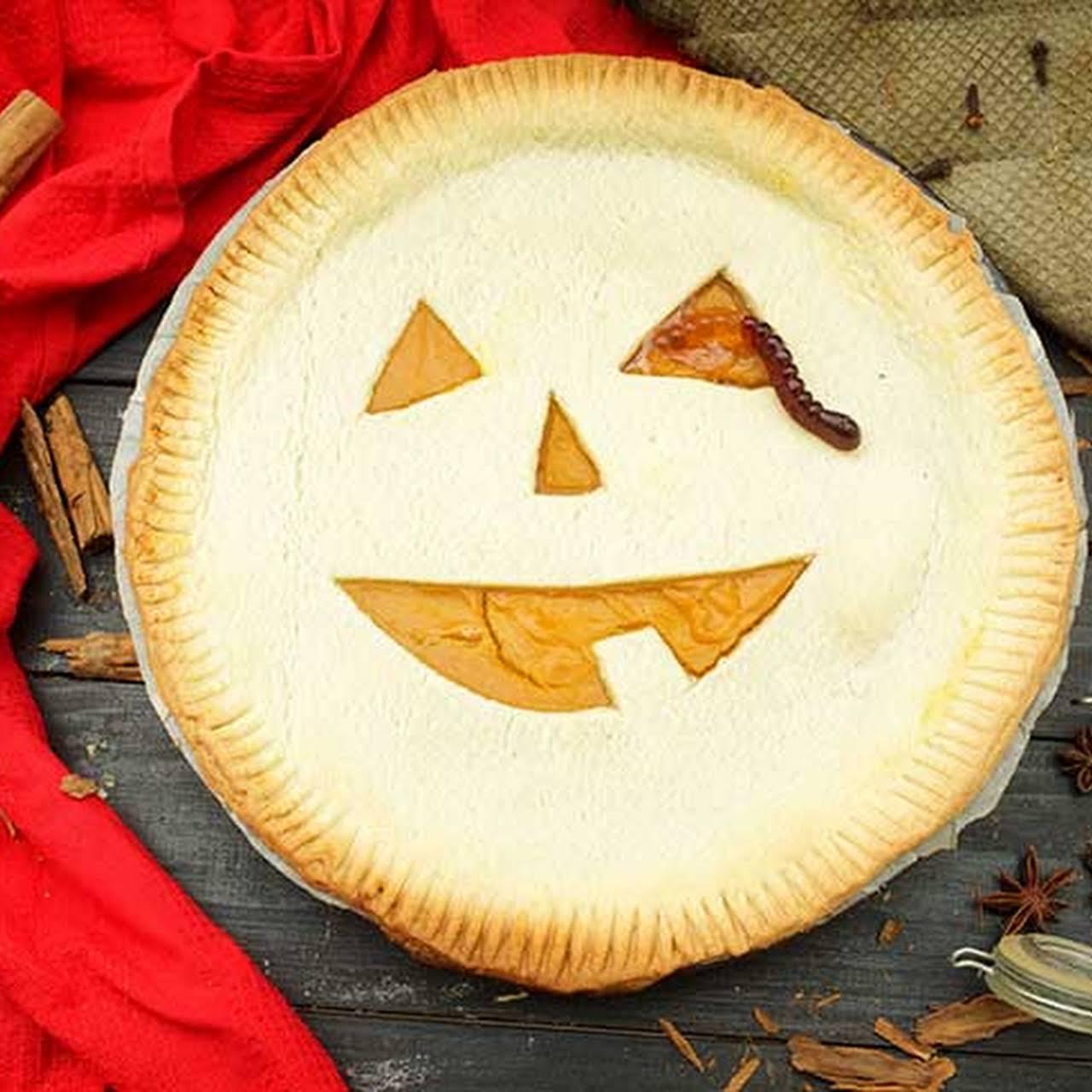 Halloween Pumpkin Pie / Jack-o-Lantern Pie