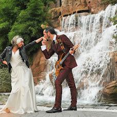 Wedding photographer Pere Hierro (perehierro). Photo of 25.11.2016