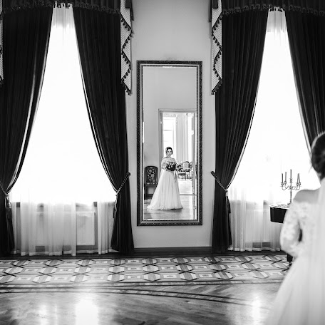 Wedding photographer Maksim Usik (zhlobin). Photo of 12.02.2018