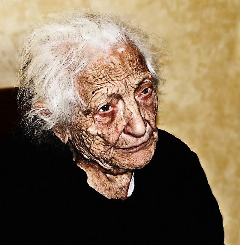 Old Age di A. V. PHOTO