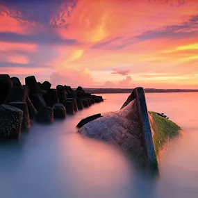 Kedonganan Beach by Krishna Mahaputra - Landscapes Sunsets & Sunrises ( water, bali, sunset, beach, landscape )