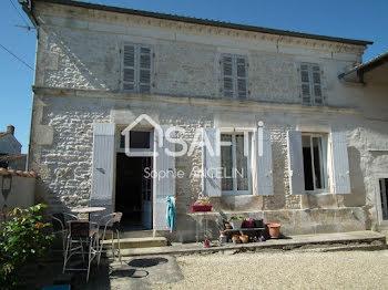 maison à Gibourne (17)
