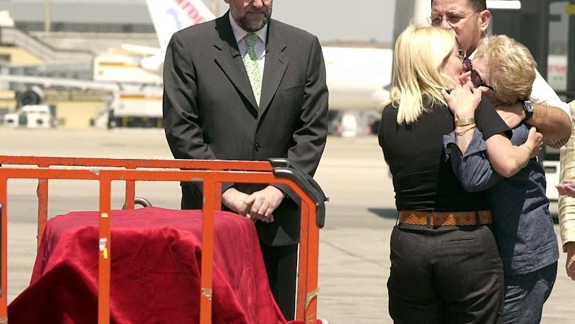 Llegada del cuerpo del empresario a Madrid en 2003
