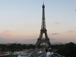 Photo: I had to have one last photo ops of La Tour Eiffel