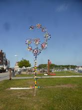 Photo: Wind blossoms, wind chimes in different views, MIrko Siakkou-Flodin,Le vent fleurit, le vent carillonne dans différentes vues,Flores de viento, campanillas de viento en diferentes vistas,