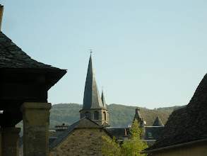 Photo: Saint-Côme d'Olt, Aveyron, région midi-pyrénées. Le clocher tors