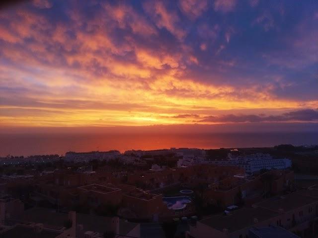 Imagen del amanecer tomada desde Marina de la Torre (Mojácar).
