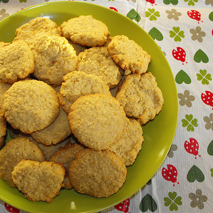 Coconut, Orange And Oats Biscuits